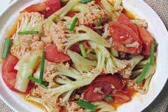 鲜茄炒菜花的做法 鲜茄炒菜花怎么做