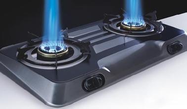 如何清洗燃气灶表面油污