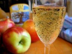 梦见喝苹果酒 周公解梦苹果酒
