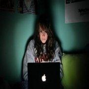 青少年睡前玩电脑会 导致记忆力降低