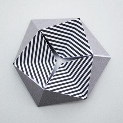如何自制万花筒 花样创意纸质万花筒