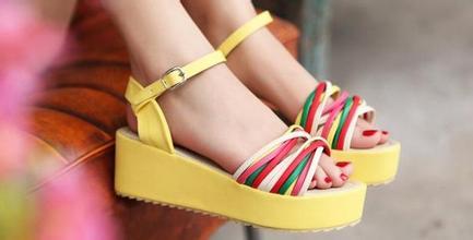 松糕鞋的危害 女性穿松糕鞋的危害